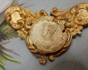 Antique Art Nouveau Gold Metal Buckle Brooch Silhouette of Soldier    NCV40