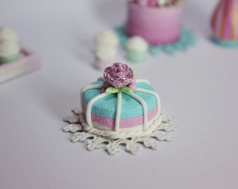 1/12 scale dollhouse miniature rose pink and turquoise layered cake