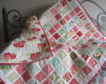 Vintage Look.........A Fray Edge Quilt.......Ready to Ship.......Baby/Toddler Girl....Flannel Back