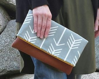 Gray arrow clutch, leather fold over clutch, bridesmaid clutch, Bag, purse, zig zag, gray