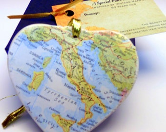 Italy Map Christmas Ornament, Your Special Place in the Heart / HONEYMOON Gift / Wedding Map Gift / Travel Tree Ornament /