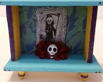 La Muerte Loteria Day of the Dead / Dia de los Muertos Mini Alter Shrine
