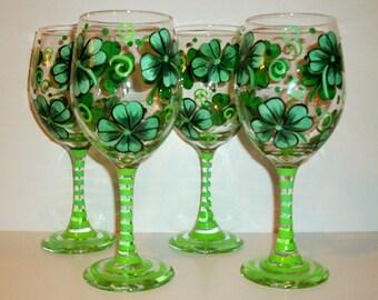St. Patrick's Day Hand painted Wine Glasses 4 leaf Clover Shamrocks Irish Wedding Green Set of 4 - 20 oz. White Wine Glasses Kelly Green