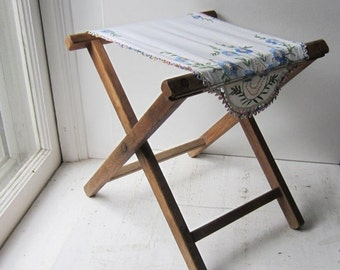 ON SALE Folding Camp Stool with Vintage Embroidered Linen  - Oak Stool - Shabby Chic Stool / Small Table