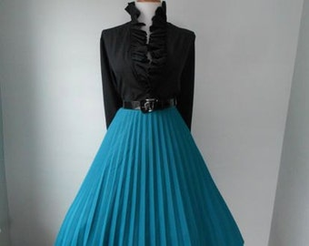VINTAGE 1960s Deep Pine Green Accordion Style Lucy Pinup Pleated Full Skirt