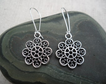 Silver Flower Earrings - Silver Bohemian Earrings - Simple Everyday Silver Earrings