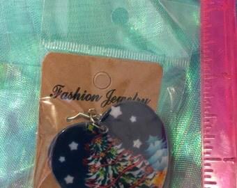 Christmas earrings heart shaped nwot pierced/shell