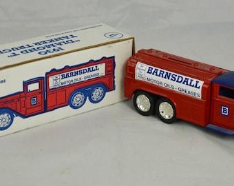 Vintage 1991 Ertl 1930 Diamond T Tanker Truck Coin Bank Barnsdall Motor Oils