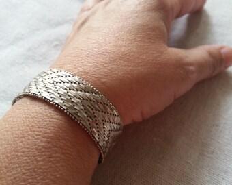 Vintage silver arrow pattern bracelet