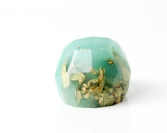 seafoam size 7 soft faceted eco resin ring with suspended gold leaf