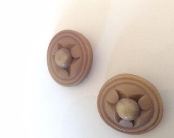 """Beige Shank Buttons 1 1/4"""" Button"""