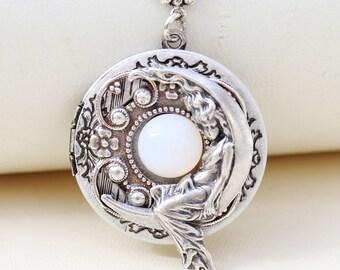 Moon Goddess Locket,Locket,Necklace,Silver Locket,Silver Moonbeam Locket  Necklace,Antique Locket. ,Wedding,Bridal Jewelry,Bridesmaids Gift