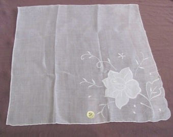 Lovely Large Sheer White Floral Applique Hankie Handkerchief - Unused New