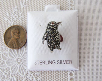 Penguin marcasite Sterling Silver Pin/Brooch with garnet eye