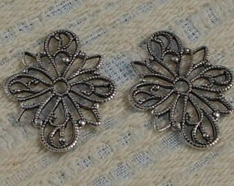 LuxeOrnaments Antiqued Sterling Silver Plated Brass Filigree Focal Connector 26x20mm 2 pcs S-9034-S