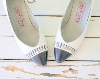 1960s DESIGNER VINTAGE Two Toned Classic Pumps...gray. blue. pappagallo heels. nautical. mod. mad men. shoes. retro. mod. fancy. glam.