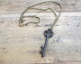 Vintage key pendant necklace