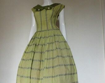 50's Vintage Full Skirt Summer Party Dress day dress med