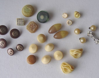 Vintage LOT of 26 Assorted Unique BUTTONS Pearls Rhinestones Tan & Brown