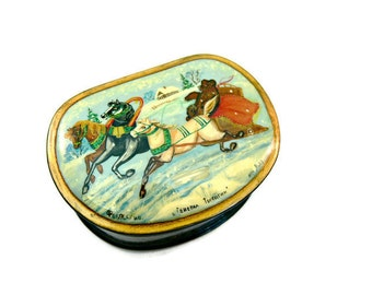 Russian Black Lacquer Box - Troyka with Three Horses and Bear - Hand Painted Signed Vintage Palekh Trinket Box