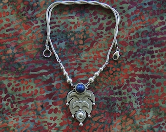 Al-hamra Necklace with Lapis Lazuli bead