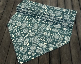 Christmas fabric runner - Holiday table runner - Green table runner - table runner - Christmas table cloth - holiday table cloth