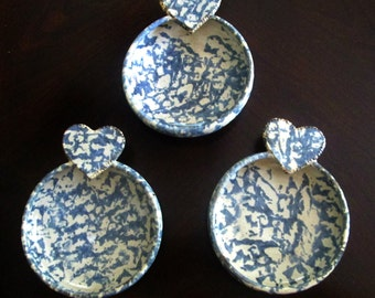 Blue Spatterware Spongeware Pottery Bowls With Hearts Handles Set of 3