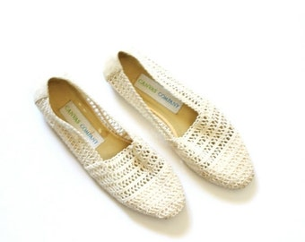 30% OFF out of town SALE Vintage boho lace flats // summer flats /// cream shoes // off white crochet flats // summer knit shoes // size 7