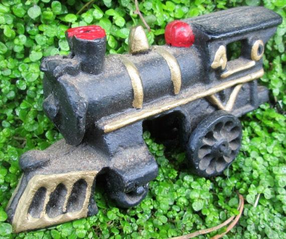 Nycrr Cast Iron Train: Cast Iron Toy Train. Cast Iron Locomotive 40 And Coal Car 40