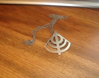 vintage necklace silvertone chain pendant