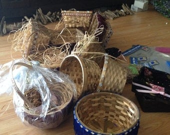 Baskets and Supplies-Half decorated, Bows, Grass, Assorted, Gold