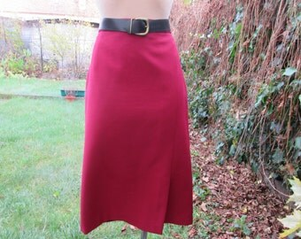 Pencil Skirt / Skirt Vintage / Size EUR44 / UK16 / Red Pencil Skirt / Red Vine / Lining / Pencil Skirt Slit