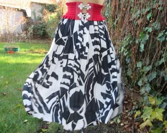 Pleated Skirt / Pleated Skirts / Skirt Vintage / EUR 44 X UK 16 / Lining / Side Zipper / Black / White Skirt / Accordion Skirt