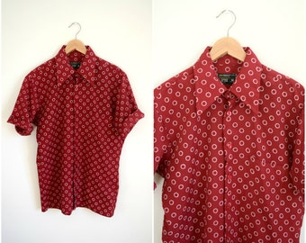 Vintage men's retro red candy cane short sleeve shirt / collared button down top