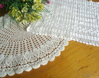 2 Doilies Doily Crocheted Doily White Vintage Doilies  D12