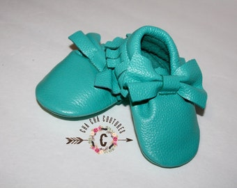WOW!  Breakfest at Tiffany's BOWS Moccasins 100% genuine leather baby moccasins Mocs moccs
