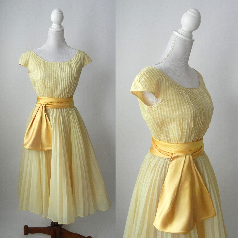 1950s Dress 1950 Yellow Dress Vintage Yellow Dress Retro