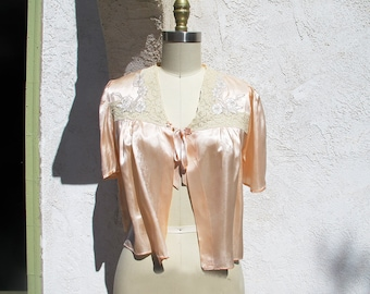 Vintage 40s Bed Jacket, 1940 Silk Lingerie, Peach Silk Sleeping Jacket, Silk and Lace, Bridal Lingerie Top