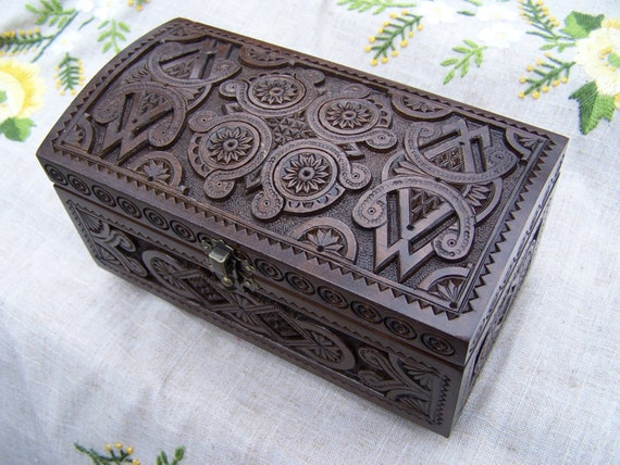 Jewelry box Ring box Wooden box Carved wood box Wedding gift Wood carving Jewellery box Jewelry boxes Wooden boxes schatulle bijoux B28