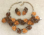 LISNER Oak Leaves Necklace Set - Vintage Lisner Amber Leaves Parure - Lisner Maple Leaves Bracelet Set - Lucite Plastic Leaf Set Fall