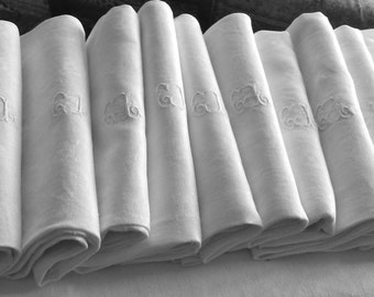 Vintage French damask table cloth with 10 monogrammed large napkins