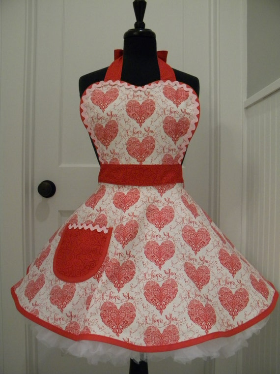 Fesselnd Valentine Chef Style Apron, Fully Lined With Fully Lined Large Pocket.  Quality Cotton Fabrics. Clean Lines, No Raw Or Surged Edges. All Seams  Enclosed.