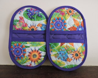 Mini Microwave Mitts-Oven Mitts-Pinchers-Multi-Color Calypso Frogs w/Purple Trim-Free Shipping