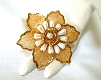 Vintage Pearl Mesh Floral Brooch, poinsettia, flower, gold tone, Excellent