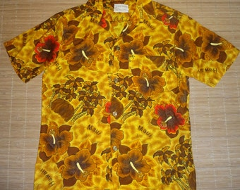 Mens Vintage 60s Royal Hawaiian Hibiscus Palm Aloha Shirt - S - The Hana Shirt Co