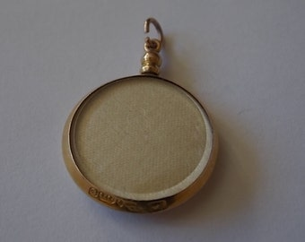 Victorian 9ct Gold Vintage Photograph Locket  BEAUTIFUL