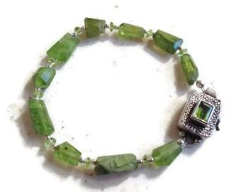 Peridot Bracelet - Green Bracelet - August Birthstone - Sterling Silver Jewelry - Gemstone Jewellery - Beaded - Fashion