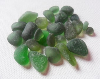 25 pretty green sea glass - Lovely mix of small English beach finds.