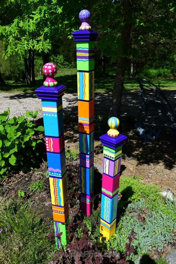 Garden totem garden art garden sculpture sculptural totem for Garden art pole