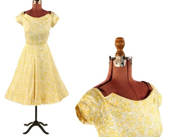 Vintage 1950's Yellow Silk Small Woodland Romantic Floral Novelty Print Garden Party Dress S